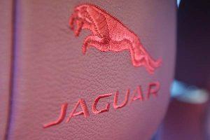 Jaguar X-Type XE Buffalino Leder Bordeaux Diamond Stiksel Geborduurd Logo