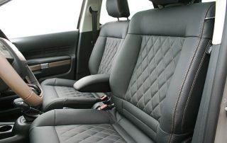 Citroën C4 Cactus, Alba Buffalino Leder Zwart met Diamond patroon en bruin stiksel voorstoelen