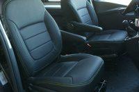 Opel Vivaro, Alba eco-leather Zwart met groen stiksel voorstoelen