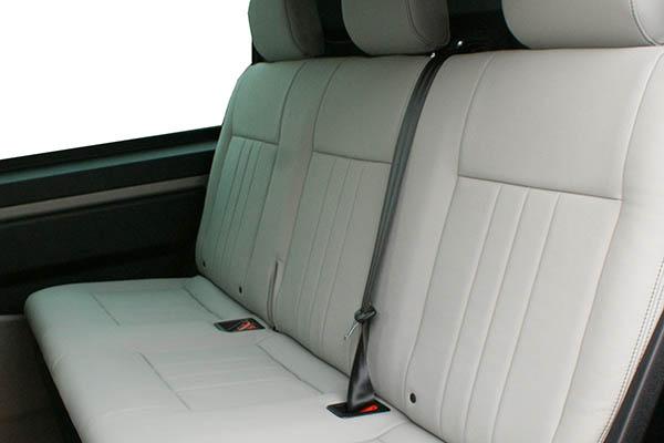 Volkswagen Transporter T6, Alba eco-leather Titanium Grijs achterbank