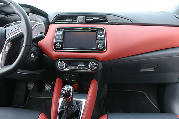 nissan micra alba buffalino leder zwart en rood alba automotive. Black Bedroom Furniture Sets. Home Design Ideas