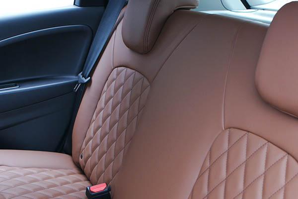 Renault Zoe, Alba eco-nappa Kaneelbruin met Diamond Stikselpatroon achterbank detail