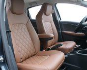 Renault Zoe, Alba eco-nappa Kaneelbruin met Diamond Stikselpatroon voorstoelen