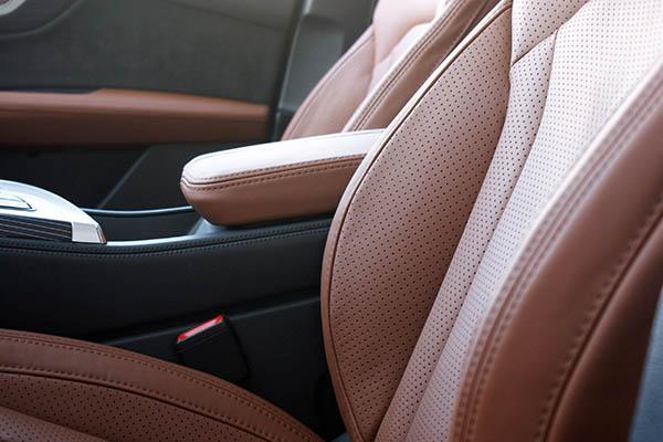 Audi SQ7, Alba Origineel Audi Nappa Leder Valcona Cognac Voorstoelen Detail