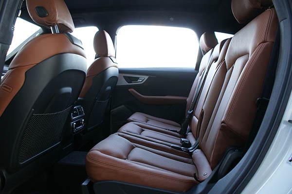 Audi SQ7, Alba Origineel Audi Nappa Leder Valcona Cognac Achterbank