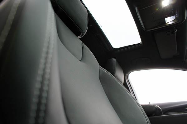 Opel Insignia, Alba Buffalino Leder Zwart Voorstoelen Detail