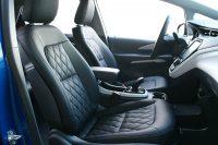 Chevrolet Bolt Opel Ampera-E Alba eco-nappa zwart diamond patroon blauw stiksel voorstoelen