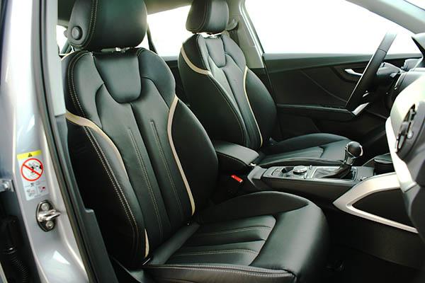 Audi Q2 Alba Buffalino Leder Zwart met Samt Beige Interieur Voorstoelen