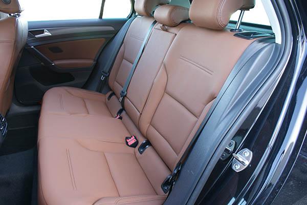 Volkswagen e-Golf Alba eco-leather kaneel bruin achterbank