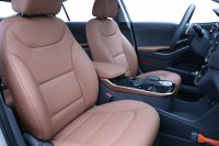 Hyundai Ioniq Alba Buffalino Leder Inbouw Kaneel Bruin Perforatie Voorstoelen