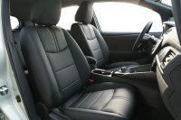 Nissan Leaf Alba eco-leather zwart voorstoelen