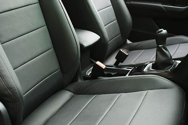 Volkswagen T-Roc Alba Buffalino Leder Inbouw Zwart Voorstoelen Detail
