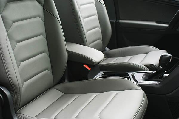 Volkswagen Tiguan Alba Buffalino Leder Grijs Inbouw Voorstoelen Detail