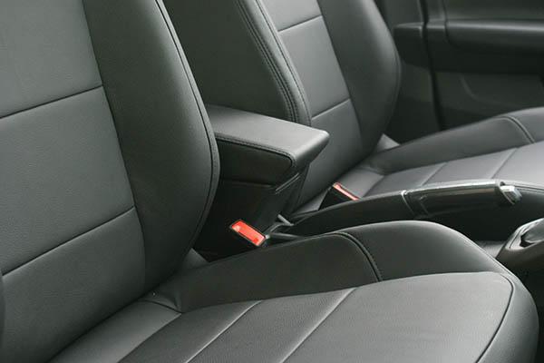 Volkswagen Polo 2018 Alba Buffalino Leder Zwart Interieur Inbouw Voorstoelen Detail