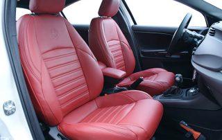 Alfa Romeo Giulietta Alba Nappa Leder Rood Inbouw Interieur Perforatie Logo Voorstoelen