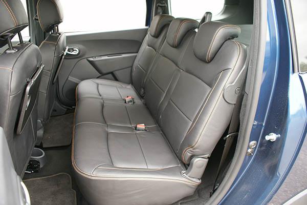 Dacia Lodgy Stepway Alba Leder inbouw interieur