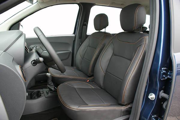 Dacia Lodgy Stepway Alba Leder Inbouw Interieur Zwart Buffalino Voorstoel