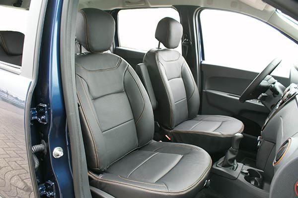 Dacia Lodgy Stepway Alba Leder Inbouw Interieur Zwart Buffalino Voorstoelen