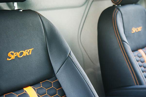 Ford Transit Custom Alba Eco-leather Zwart Honingraat Voorstoel detail