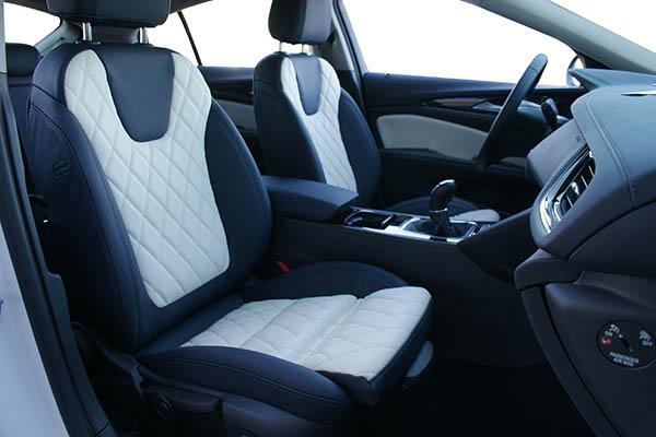 Opel Insignia Alba Buffalino Leder Inbouw Interieur Marine Blauw Wit Voorstoelen